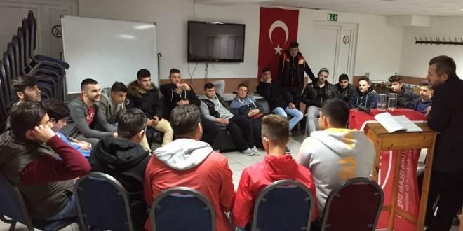 Gençler ile Sohbet ve İkram Gecesi